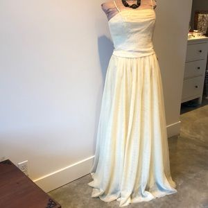 Dave and Johnny prom dress NWT